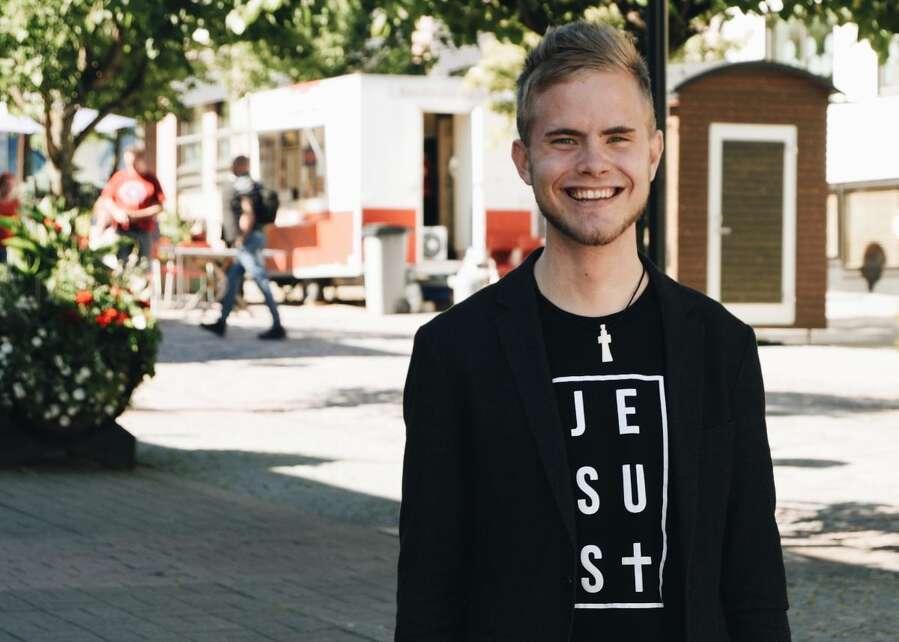 Miksi Patrick Tiainen erosi? – Syinä liian kova vauhti ja avioliiton ulkopuolinen suhde – Kotimaa24