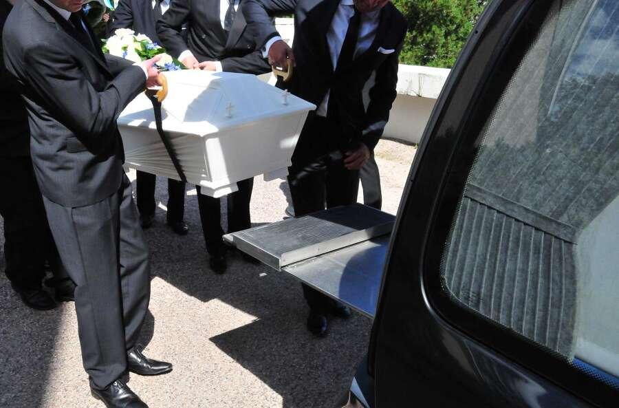 Kaunis Hautajaismusiikki