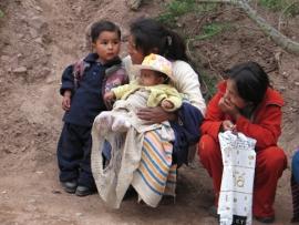Nainen ja lapset perussa 2007